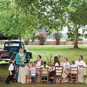 dinner-table-l